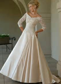white lace wedding dress design with sleeves wedding dress