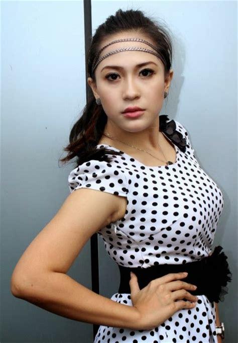 gallery foto hot artis dangdut nabila gomez cantik