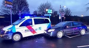 Céder Son Véhicule : luxembourg il tamponne la police ~ Medecine-chirurgie-esthetiques.com Avis de Voitures