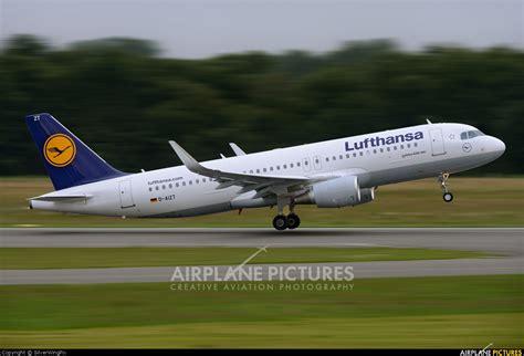 Daizt  Lufthansa Airbus A320 At Hamburg Fuhlsbüttel