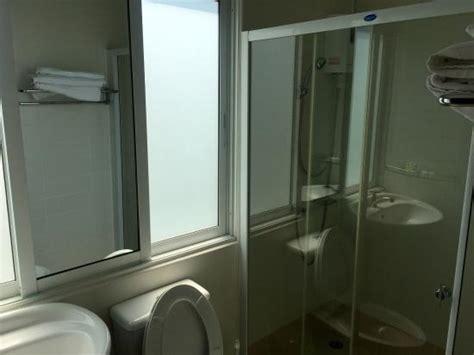 alles für das badezimmer das badezimmer zwar klein aber muss auch nicht gro 223 sein hauptsache alles hat gut funktioniert