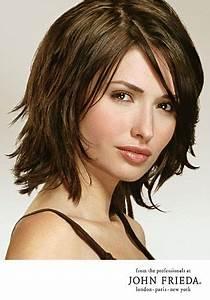 Frisuren Halblang Gestuft Locken Niedlich Frisuren Mittellang