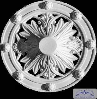 silikonformen für gips r 21 deckenelement mit durchbr 252 chen schmuckrosette aus gips als dekorelement f 252 r decke und wand