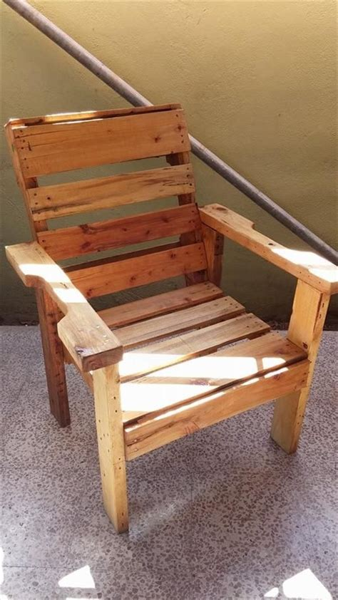 diy recycled wooden pallet chair wooden pallet projects