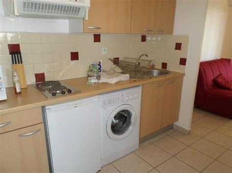 machine a laver dans la cuisine cuisine avec lave linge picture of l 39 inter hotel cote