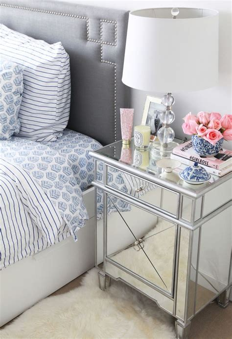 Beautiful Bedroom Table Ls by Best 25 Mirrored Side Tables Ideas On Mirror