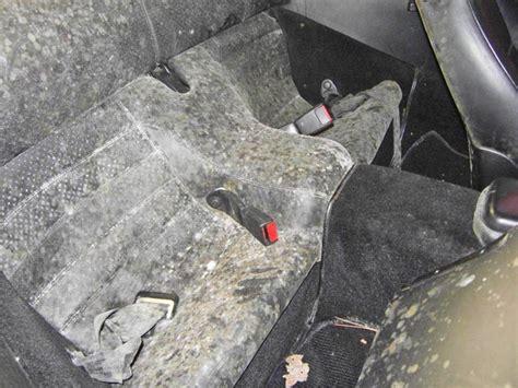 schimmel entfernen auto die behandlung schimmeligen glattledern lederzentrum spezialist f 252 r lederpflege
