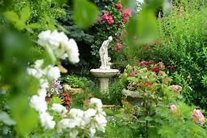 steinbrunnen fur balkon terrasse und garten With französischer balkon mit ganesha statue garten