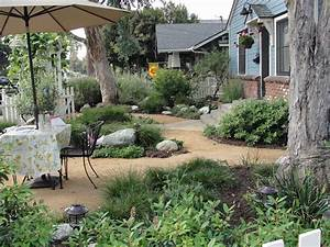 California bungalow drought resistant garden http for Garden plant design