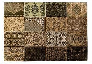 Blutflecken Aus Teppich Entfernen : wachs aus teppich cheap in einer wohnung auf dem teppich in den sitzen erwachsener gesunder ~ Watch28wear.com Haus und Dekorationen