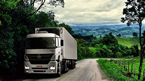 White Truck Wallpaper by Mercedes Truck Wallpapers Wallpaper Cave