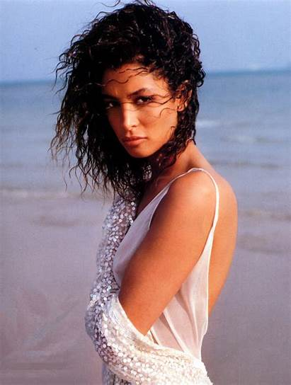 Kara Young Orazio Sante Vogue 1989 Theplace2