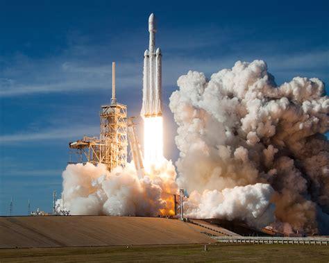 launch pad cameras capture falcon heavys fiery