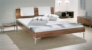 Bett Aus Holzpaletten : bett nussbaum hyx futonbett 140x200 180x200 holz metall ~ Michelbontemps.com Haus und Dekorationen