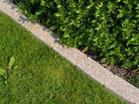 randsteine mit mähkante rasenkantensteine mit m 228 hkante rasenkantensteine als dekoratives und praktisches element eine