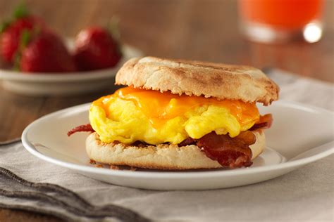 Classic Bacon, Egg and Cheese Sandwich - Kraft Recipes