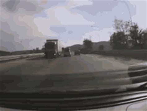 Flying Boat Gif by The Popular Car Flying In Air Gifs Everyone S