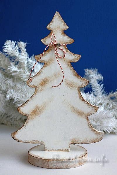 bastelidee f 252 r weihnachten winterliche holzdekoration