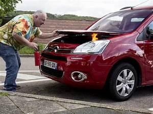 Comment Bien Nettoyer Sa Voiture : bien agir en cas de d but d 39 incendie dans sa voiture ~ Melissatoandfro.com Idées de Décoration