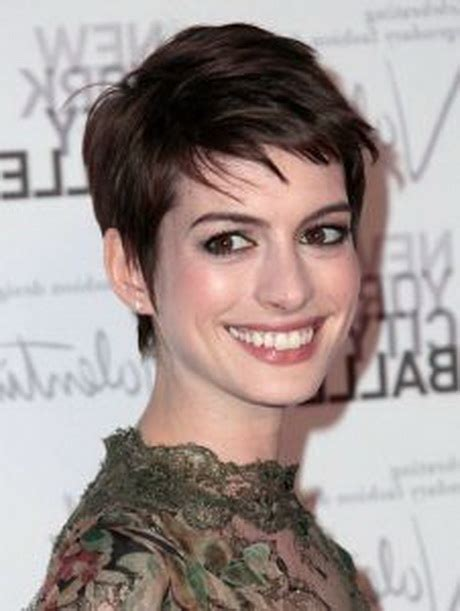 coupe cheveux courts 2015 femme