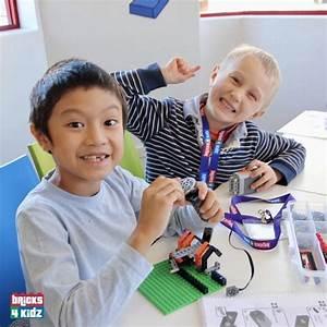 102 BRICKS 4 KIDZ LEGO Workshops Programs Holiday