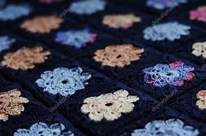 Granny Squares Muster : granny square flower decke stockfoto different nata ~ A.2002-acura-tl-radio.info Haus und Dekorationen