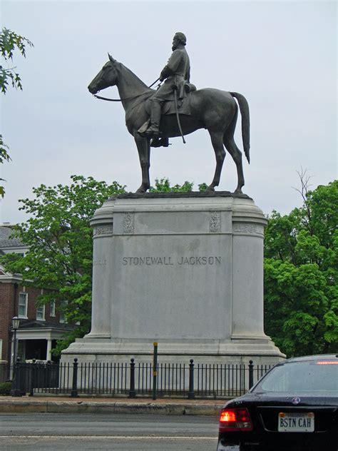 monument avenue richmond virginia travel