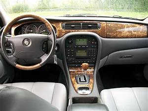 2005 Jaguar S-type - Pictures