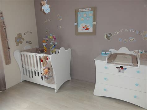 chambre baby deco chambre bebe blanc et taupe