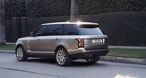 Land Rover Range Rover Autobiography : for 20 000 less than a bentayga you can have a 2018 range rover svautobiography carscoops ~ Medecine-chirurgie-esthetiques.com Avis de Voitures