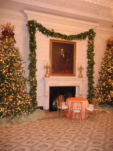 christmas decorating   white house todd richesin