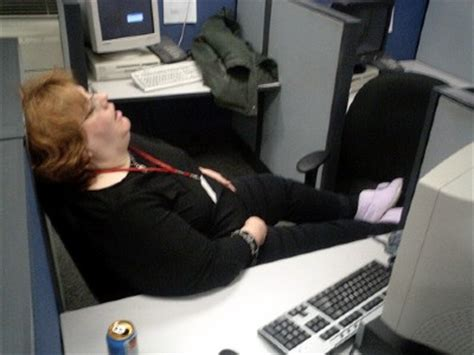 Sleep At Work Meme - comment bien glander au boulot l express