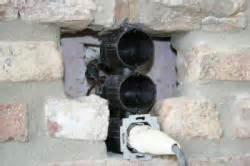 küche in schräge einbauen klinkerfassade steckdose eingebaut bauunternehmen