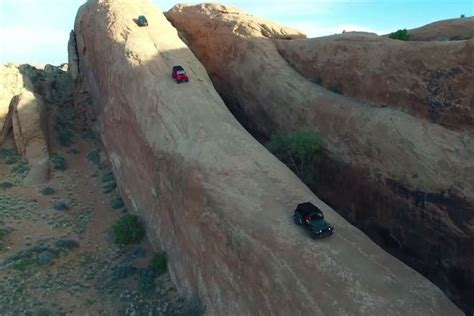 moab lions back jeep takes on lion s back in moab video