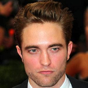 Robert Pattinson - Bio, Facts, Family | Famous Birthdays