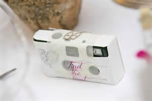 sprüche zum danke sagen hochzeitskarten hochzeitspapeterie banderole kamera schöner einladen aus liebe