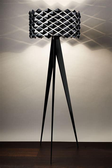 decor ladaire design avec abat jour noir 21 etienne ladaire trepied la redoute