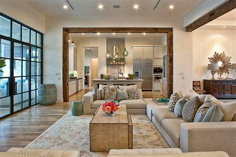 desain unik interior ruang keluarga mobimu
