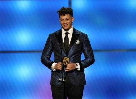 latest chiefs qb mahomes wins nfl mvp award