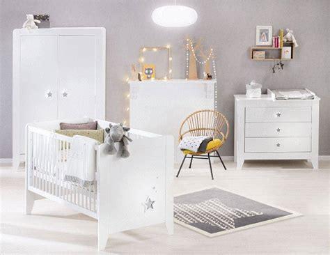 chambre bébé lola noukies tapis en poudre d 39 etoiles 120x120 cm