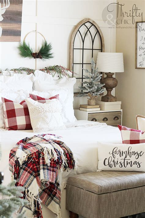 Gorgeous christmas bedroom decor idea with rustic beauty [from: Thrifty and Chic - DIY Projects and Home Decor