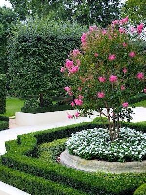 Wonderful Front Yard Landscaping Ideas With Rocks To Pick