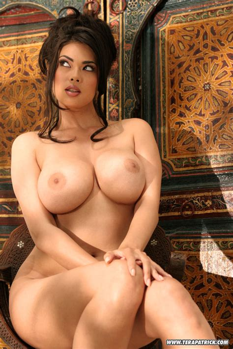 Busty Asian Starlet Tera Patrick Enjoys Showing Off Her