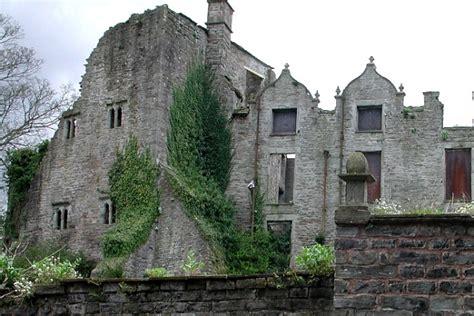 motts manages hay castle renovation