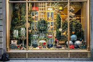 Where to see Christmas window displays at stores in NYC