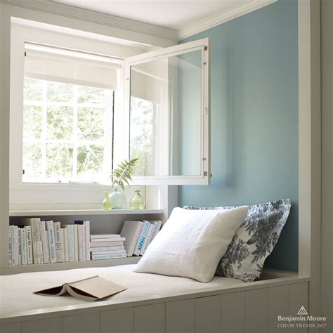 2017 color trends benjamin moore light blue walls and