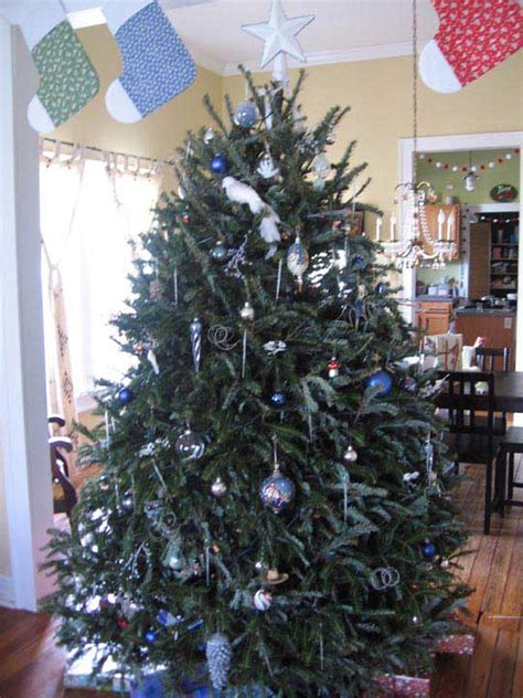 christmas tree decorating contest ideas maryjane s tree decorating contest gallery
