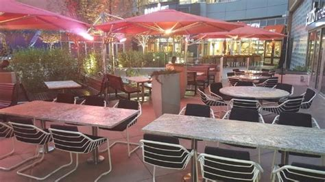 outside patio area picture of earls kitchen bar