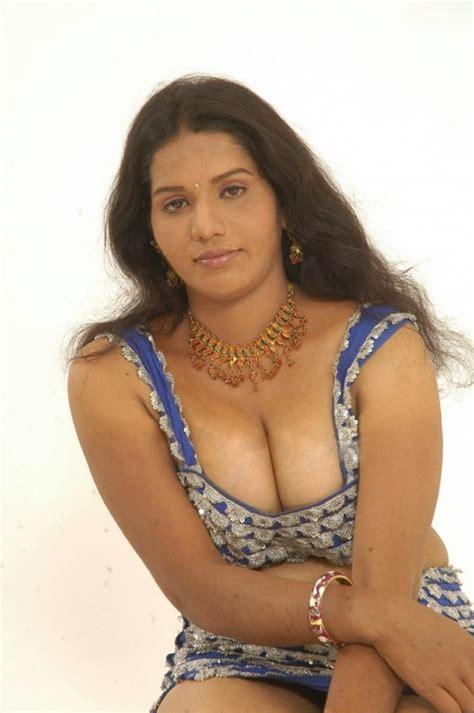 శృంగార ప్రియులకు స్వాగతం సుస్వాగతం Prasad Aunty Telugu