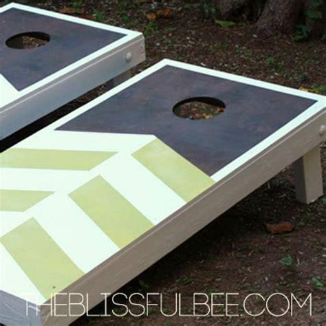 crazy fun ways  build  cornhole board  summer